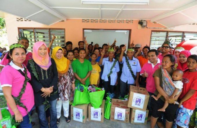 Visit to Orang Asli Village together with Yayasan Nur - Karangkraf Malaysia
